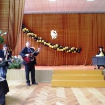 Lietuvių kalbos mokytojo Dainiaus Kazlausko sveikinimas absolventams.